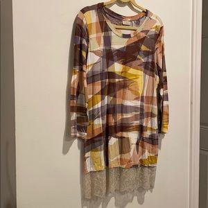 LOGO long shirt w lace trim and hidden pockets